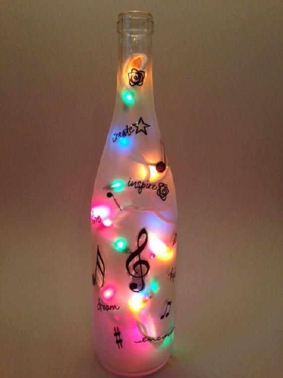 Music Lovers Wine Bottle Light (nella scelta dei colori)