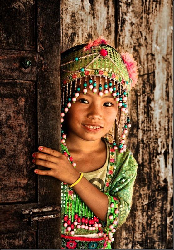 Young Hmong, Laos, 2011, photograph by Réhahn Croquevielle.