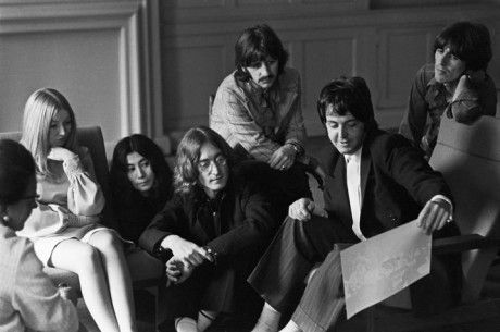 Circa May 1968. More business than music as The Beatles, with Yoko, and Apple Records signing Mary Hopkin.