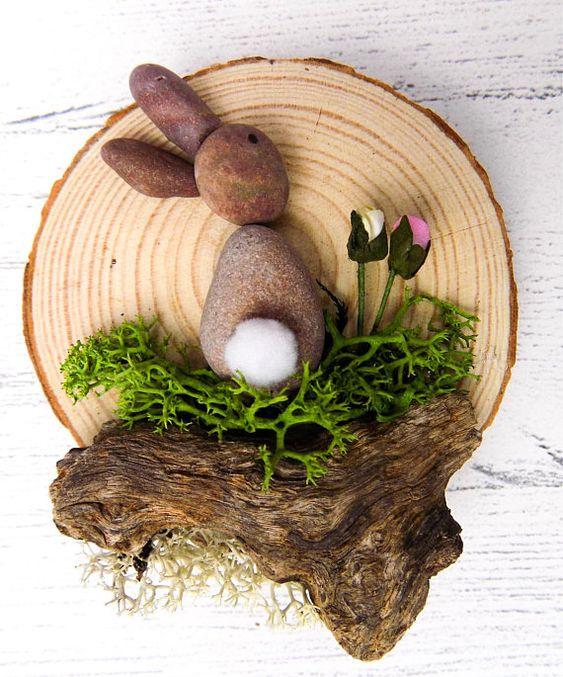Hallo! Vielen Dank für den Blick auf mein Produkt. Dies sind meine Hase Kaninchen Kiesel Kunst Log Scheiben. Sie sind mit Kies mit einem niedlichen kleinen Baumwolle Schwanz angebracht, Treibholz, die meine Eltern von den Ufern des Zypern (Paphos) und Schiff über mich und