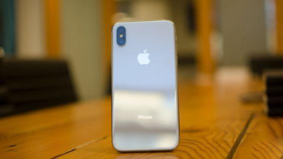Thay-mat-kinh-sau-iPhone-X-chinh-hang