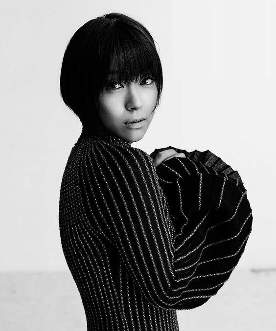 VOGUE JAPANに登場したモノクロの宇多田ヒカル