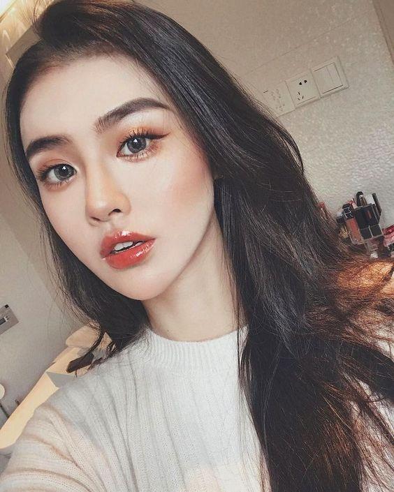 你适合化淡妆还是浓妆呢?| 脸部特征决定你的命定妆容!