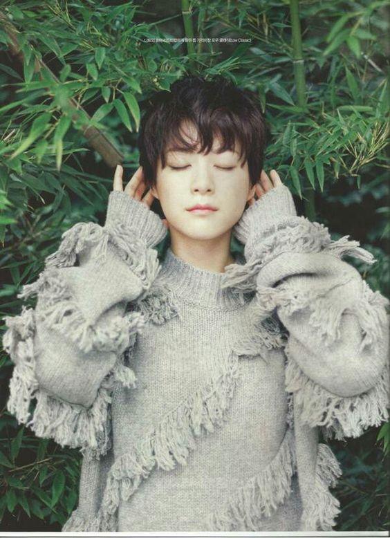 耳を澄ます上野樹里