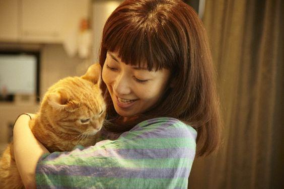 猫を抱くEvery Little Thing持田香織