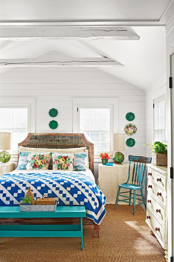 10 Colorful Beach House Decorating Ideas - Martha Vineyard's Beachside House Tour