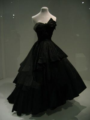 Bianca Mosca dress, 1949. Image via Pinterest.