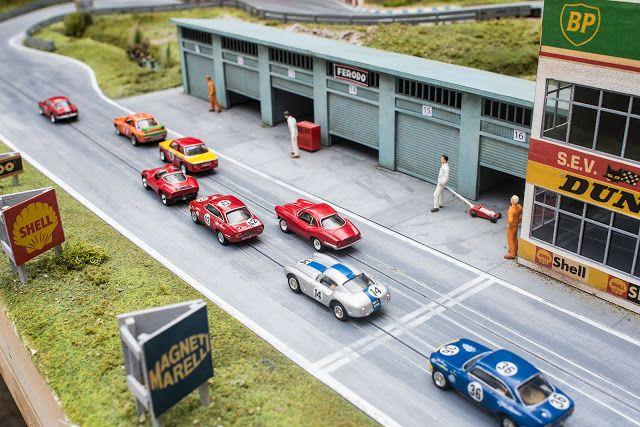 Circuit ReimsGueux Dunlop Bridge Dunlop Banderole Slot Car