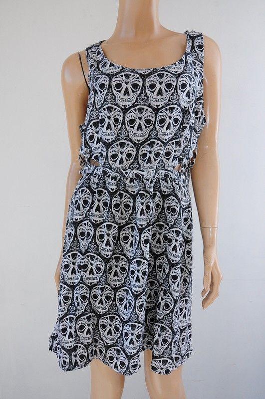 88153dc455 Sukienka w czaszki METKA r. 42 H M