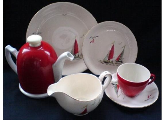 Alfred Meakin  RED SAILS 1950s  Don't think the coffee pot